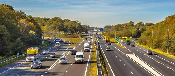Super Benzin Straßenverkehr